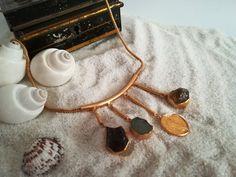 Collar largo con Ametistas brutas collar largo con moneda   Etsy Collar, Hoop Earrings, Jewellery, Creative, Etsy, Handmade Gifts, Hand Made, Jewels, Schmuck