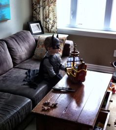 "Pin for Later: 41 of the Most Glorious Photos the Internet Ever Saw  ""My best friend's son, watching old school Ninja Turtles and just being 5."" Source: Reddit user curious_void via Imgur"