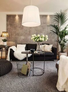 7 Must Do Interior Design Tips For Chic Small Living Rooms ➤ Discover the seas. - Home: Living Room - 7 Must Do Interior Design Tips For Chic Small Living Rooms ➤ Discover the seas. - Home: Living Room - Living Room Interior, Home Living Room, Apartment Living, Black Sofa Living Room Decor, Apartment Ideas, Black Sofa Decor, Apartment Chic, Black Leather Sofa Living Room, Brown Carpet Living Room