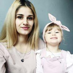 Jest jedna Miłość która przetrwa Wszystko <3 Miłość Mamy i Córki :) Nasze piękne wisiorki cudownie to wyrażają Amanda i Lenka <3 <3 www.jakamama.pl