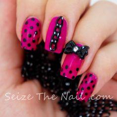 Polka dots and chain nails