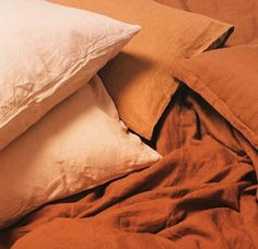 orange and peach linen bedding. / sfgirlbybay