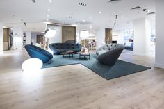 London, United Kingdom, Ligne Roset within London's Heal's Department store. Between the two parties, it was decided that Pergo's Living Expression Drift Oak planks should be used to help create a more welcoming and open feel to the whole department. #Pergo #Oak #Laminate #Shop #Retailing #flooring www.pergo.com