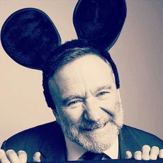 """You ain't never had a friend like me."" Robin Williams working with Disney"