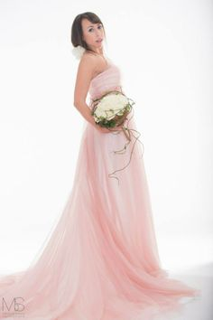 Pink dream #weddingdress #abitodasposa #matrimonio #nozze #abitidasposatrento #trento #abitidasposabolzano #atelier #ateliertrento #sartoria #tulle #abitosposaimpero #abitosposaromantico #rosa #bouquetsposa #abitosposasemplice