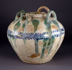 Objects like ceramic vessels from Iraq subject to U.S. import restrictions http://go.usa.gov/f3Mz #stoptrafficking