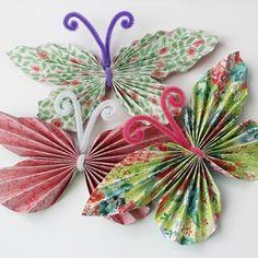 Hobby for barn Easy Crafts For Kids, Toddler Crafts, Diy For Kids, Fun Crafts, Diy And Crafts, Arts And Crafts, Paper Butterflies, Paper Flowers, Paper Rosettes