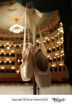 ballet-point-shoes