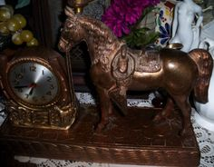 Vtg-Copper-Metal-Carnival-Prize-Horse-Electric-Clock-Cowboy-Western-TV-lamp