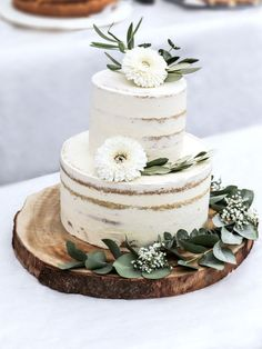 Naked cake recipe – simple & beautiful fen elven white More from my siteBerry tart recipe. The perfect wedding naked cake. Diy Wedding Cake, Wedding Cupcakes, Wedding Cake Toppers, Rustic Wedding, Naked Wedding Cake Recipe, Boho Wedding, Dream Wedding, Food Cakes, Cookies Roses