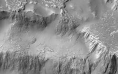 "Nasa has released stunning photos of something like ""Niagara falls"" on Mars – except even more stunning than the one on Earth. The flows are made of flowing molten lava that once moved over the Red Planet's surface, and have been pictured in stunning new 3D images. The photos were sent back by the Mars Reconnaissance Orbiter (MRO), which was launched in 2005 and has been sending images back of the planet's surface since soon after that."
