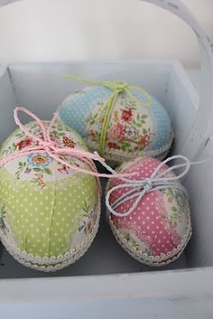 Decoupaged eggs with wrapping paper from Greengate