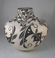 Acoma Pottery. Marie Z. Chino. Pueblo.