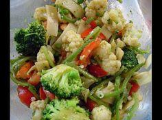 Salada de legumes com vinagrete de curry e molho de soja