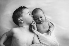 Reportajes de recién nacidos y bebes. Fotografa de Valencia con estudio fotográfico en Betera. Sesiones de fotos de niños, embarazadas, familias.