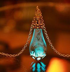 "Dandelion seeds in teardrop glass pendant ""glow in the dark""in silver or gold color"