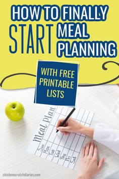 Use these free printables to organize your weekly meal plan, shopping list and master menu and always know what's for dinner. Living On A Budget, Frugal Living Tips, Life Organization, Organizing Life, Living Within Your Means, Family Schedule, Household Expenses, Meal Planning Printable, Organize
