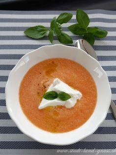 Rezept kalte Melonensuppe mit Burrata. Vorspeise im Sommer. Erfrischende Suppe mit Honigmelonen, Fünf Minuten Zubereitung. Thai Red Curry, Veggies, Ethnic Recipes, Cold, Simple, Vegetable Recipes, Vegetables