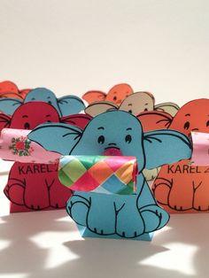 Afbeeldingsresultaat voor traktatie peuter danoontje Diy For Kids, Crafts For Kids, Baby Presents, Birthday Treats, Craft Party, Creative Kids, Cool Baby Stuff, First Birthdays, Hello Kitty