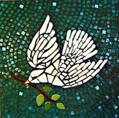 White Peace Dove mosaic by jane Kelly Mosaic Diy, Mosaic Garden, Mosaic Crafts, Mosaic Projects, Mosaic Ideas, Mosaic Animals, Mosaic Birds, Stone Mosaic, Mosaic Glass