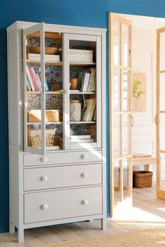 17 Ideas Ikea Furniture Makeover Hemnes Dining Rooms For 2019 Trendy Furniture, Diy Outdoor Furniture, Upcycled Furniture, Furniture Decor, Green Painted Furniture, White Bedroom Furniture, Ikea Hemnes Living Room, Ikea Hemnes Cabinet, Ikea Furniture Makeover