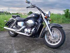 Beautiful honda shadow ace 750. Same bike I had, bought new in 97.