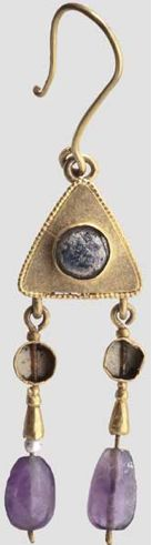 Golden earring with amethyst beads, Byzantine, 6th Century A.D.