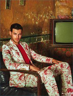 Havana Heatwave: Felix Bujo Travels to Cuba for GQ Japan - Gucci Suit - Ideas of Gucci Suit - Making a dandy statement Felix Bujo wears a patterned suit by Gucci. Cuba Fashion, Fashion Sites, Mens Fashion, High Fashion, Felix Bujo, Gq, Vintage Cuba, Gucci Suit, The Fashionisto