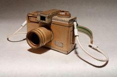 Cardboard Cameras หยุดความคลาสสิกไว้กับกล้องกระดาษแข็ง