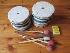 Кружки для рыбалки, б/у, фото-1.  Кружки рыболовные, оснащённые. Полностью готовы к рыбалке. Материал: пенопласт. Диаметр ≈ 110 мм. Состояние приемлемое. Фотографии. [Кружки рыболовные оснащенные, ставки на хищную (не только) рыбу: щуку, судака, окуня, жереха... Кружки опробованы в условиях рек и озёр. Оснастка позволяет ловить и в тихой воде и на течении, глубина ловли регулируется легко - ничего лишнего.]