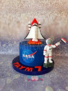 Space cake - cake by Arty cakes 10th Birthday Cakes For Boys, Themed Birthday Cakes, 6th Birthday Parties, Themed Cakes, Rocket Ship Cakes, Rocket Cake, Space Party, Space Theme, Solar System Cake