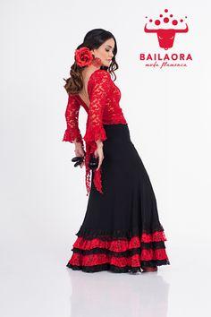 Bailaora Moda Flamenca Tradicional    Info y precios: info@bailaora.eu www.bailaora.eu