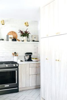 Our Kitchen Reno: Custom Cabinet Doors from Semihandmade - Anne Sage Sage Kitchen, Natural Kitchen, New Kitchen, Kitchen Reno, Kitchen Ideas, Brass Kitchen, Kitchen Hardware, Summer Kitchen, Custom Cabinet Doors