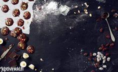 kuva Joko, Delicious Desserts, Presents, Fruit, Christmas, Painting, Gifts, Xmas, Painting Art