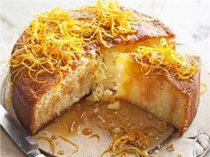 Delight your family and friends with this rich, juicy citrus cake. The delightfully dense dessert goes superbly with a drizzling of zesty syrup that soaks into the cake. Greek Sweets, Greek Desserts, Greek Recipes, Vegan Recipes, Vegan Meals, Vegan Food, Citrus Cake, Lime Cake, Mandarine Recipes