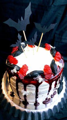 Red Velvet kakku Red Velvet, Birthday Cake, Kitchen, Desserts, Food, Cucina, Tailgate Desserts, Birthday Cakes, Cooking