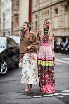 http://www.whowhatwear.com.au/amp/paris-fashion-week-street-style-spring-2018