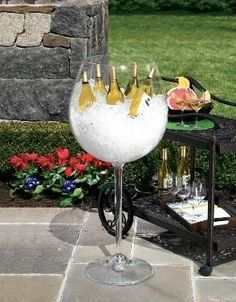 Wine glass cooler.. WOW I LOVE IT!!