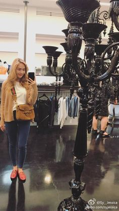 Hi from the adorable Jessica Jung! ~ Wonderful Generation ~ All About SNSD, Wonder Girls, and f(x) Jessica Jung Fashion, Jessica & Krystal, Krystal Fx, Ex Girl, Kim Hyoyeon, Kwon Yuri, Korean Outfits, Girls Generation, Kpop Girls