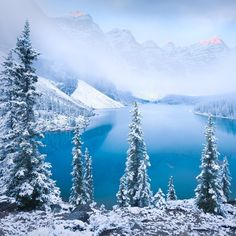 On instagram by globe.photo #landscape #contratahotel (o) http://ift.tt/1SHtcZy #озероморейн #альберта #банф #канада #озеро #зима #снег #горы #природа #путешествия #бирюзовый #пейзаж #холод #moraine #lakemoraine #morainelake #banff #alberta #canada #nature  #frozen #snow #winter #mountains #lake Автор: Luke Austin