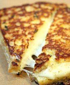 grilled mozzarella on garlic bread with marina to dip. This stuff is amazeballs!