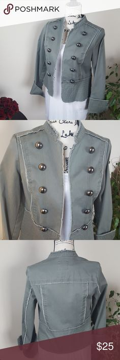 """EUC Army green military like jacket Old Navy Brand Old Navy Brand sagey green jacket w/ Military button influence, cropped, hook and eye closure, cuffed sleeve, intentional fraying seams. Like New condition. Looks amazing thrown over a simple black dress or w/ jeans 👖 and boots👢for many occasions Length 20"""" Bust 18"""" Waist 16.5"""" Old Navy Brand Jackets & Coats Utility Jackets"""