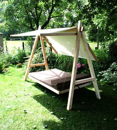 Wood Swing - Modern Garden Though old around notion, the pergola continues to Modern Pergola, Outdoor Pergola, Outdoor Decor, Small Pergola, Diy Pergola, Metal Pergola, Modern Garden Design, Modern Design, Wood Swing