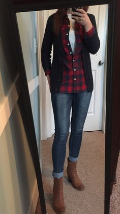 Navy cardi, navy & red flannel shirt, cream lace top, skinny jeans, short camel colored boots