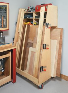Corral your lumber and plywood in this easy-to-build cart. As an added bonus, it includes a clever plywood cutting system too. Lumber Storage Rack, Lumber Rack, Diy Garage Storage, Wood Storage, Workshop Storage, Workshop Organization, Woodworking Workbench, Woodworking Shop, Wood Bin