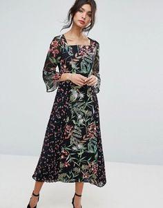 Tenue invit e mariage 2018 les plus belles tendances for Maxi robes florales pour les mariages