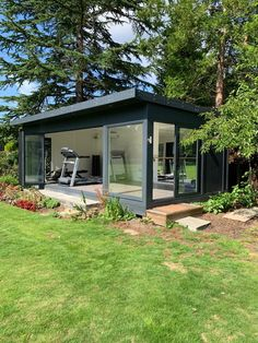 This beautiful garden room is used as a home gym and ballet studio, by our client at their home near Backyard Office, Backyard Studio, Garden Studio, Dream Home Gym, Gym Room At Home, Garden Gym Ideas, Home Ballet Studio, Outdoor Gym, Outdoor Decor