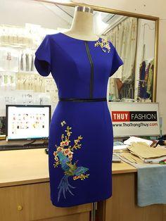 Váy bút chì công sở dáng liền ôm đính hoa thủ công V418