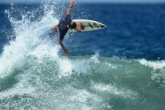 1991 : Kelly Slater Puerto Escondido ©MikeBalzer   #surf