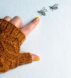 Ravelry: Beeswax mitts pattern by Amy van de Laar Knitted Gloves, Knit Socks, Wrist Warmers, Hand Warmers, Knitting Projects, Crochet Projects, Diy Projects, Stitch Patterns, Mittens